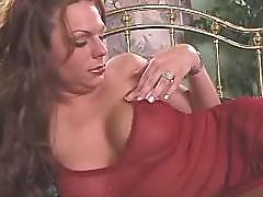 Sweet tgirl shows her body n jerks