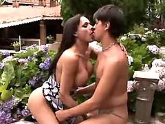 Steamy t-girl likes fast anal