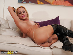 Today we have sexy blonde Shakira Voguel joining us for some solo fun. Watch this beauty go at it when there's no dick around. It's all good, she definitely knows how to satisfy herself just fine. This blonde bombshell is no stranger to the camera. Let's
