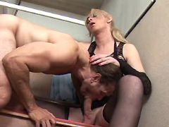 Hot shemale sucked by man
